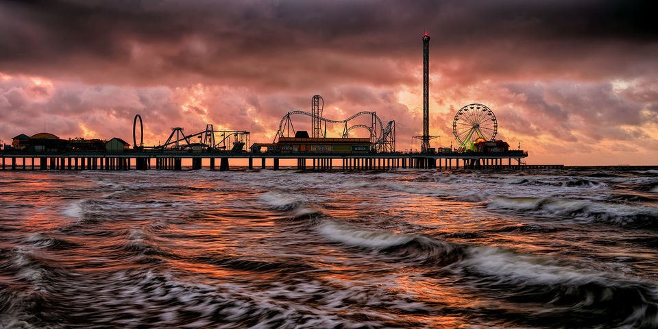 Morning, tide, Galveston, Texas, Pier, Pleasure Pier, Gulf of Mexico, water, rides, arcade, aquarium, USS Flagship Hotel, attractions, view, sunrise, sunset, original, ocean